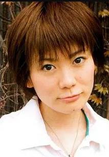 小林由美子