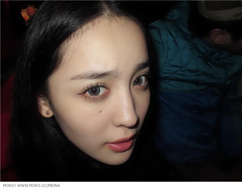 女人屄特点_北电考场外新疆美女遭围拍 影视公司现场递邀请