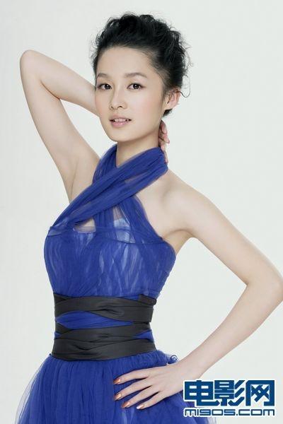 李沁的形象具有天然的亲民性,清纯可爱的校园女生,端庄贤雅的大国公主