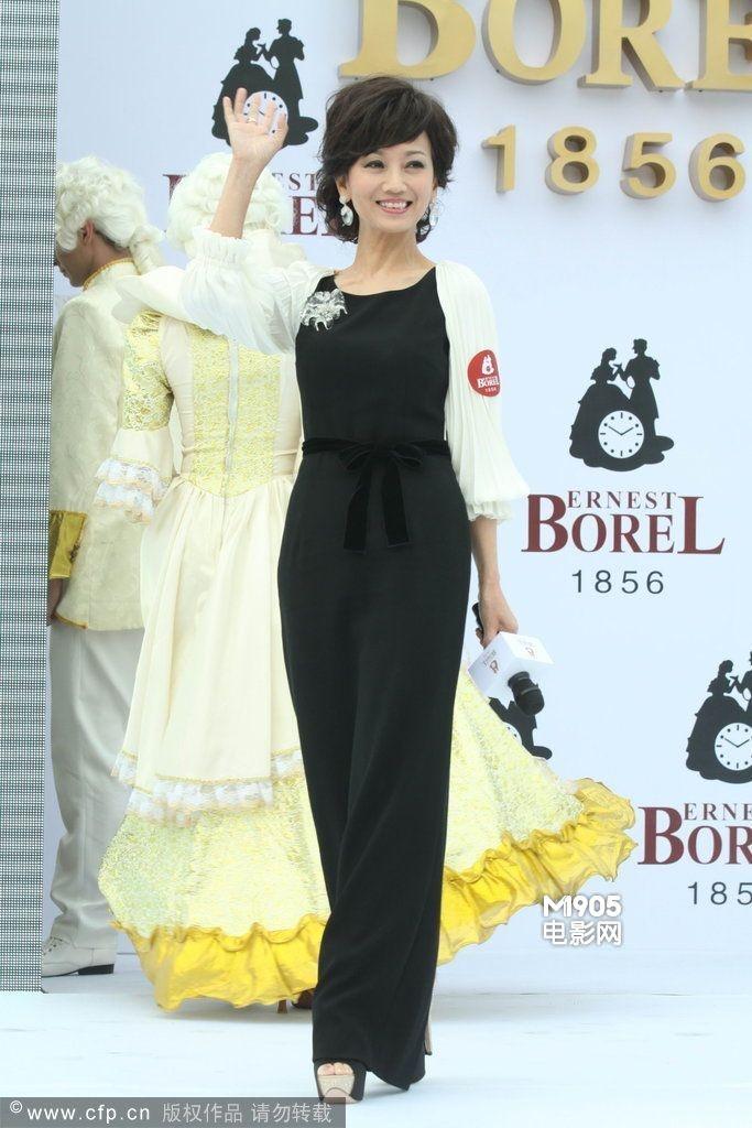 参加首届香港小姐比赛出道的赵雅芝,算算年头,如今也得有57岁了,奔六