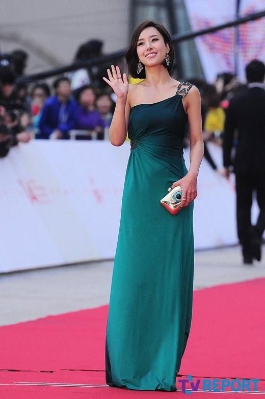 第14届韩国事业电影节开幕姜艺媛红毯秀全州线qq里面的小电影怎么下载图片