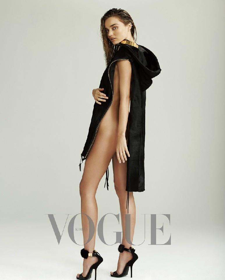 超模米兰达可儿大尺度黑裙 侧面曲线展魔鬼身材图片