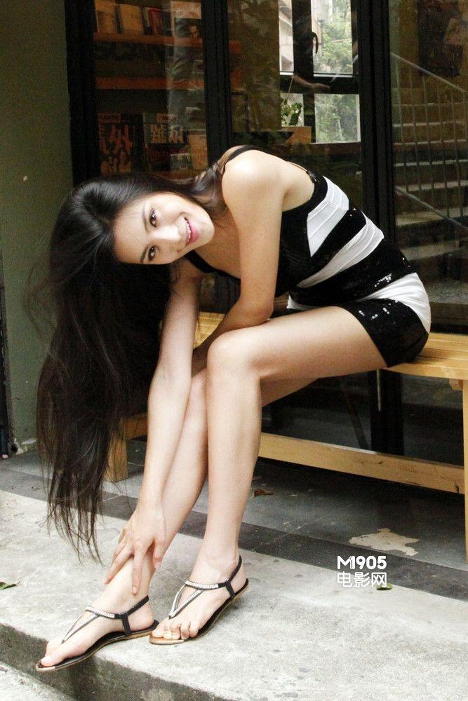 电影网_间道》等经典港片的世界,赵茜随着[电影网]的镜头游走于电影中的香港.