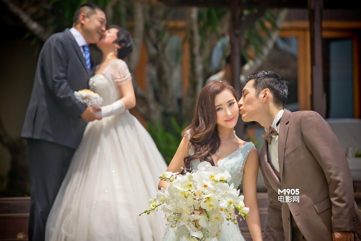 3月22日,当红明星夫妻严屹宽和杜若溪在巴厘岛举行了婚礼