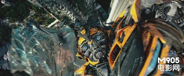 《变形金刚4》曝主题预告 恐龙钢锁撕咬霸天虎
