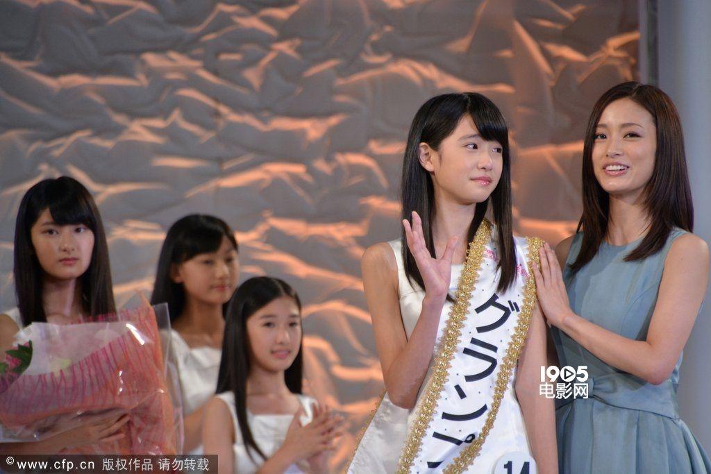 全日本国民美少女12岁女生夺冠 清纯堪比奶茶妹