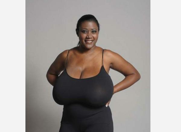 被强干了�:+N[�x�_大胸烦恼多!n罩杯女胸垂到臀做缩胸手术