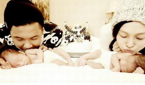 范玮琪黑人_范玮琪黑人亲吻双胞胎 大小熊猫熟睡超温馨