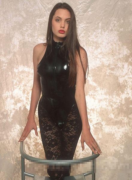 安吉丽娜朱莉16岁旧照曝光 身材惹火姿态撩人 图