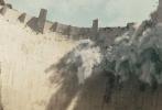 """由华纳兄弟影业出品的2015年度灾难巨制《末日崩塌》已于6月2日公映,继在北美票房夺冠后,在国内同样也拿下了票房冠军。影片于周二电影半价日上映斩获3264万票房夺冠。影片由好莱坞新生代导演布拉德·佩顿执导,拥有健壮身材的""""巨石""""道恩·强森、性感迷人的好莱坞女星卡拉·古吉诺、甜美可人的蓝眼睛少女亚历珊德拉·达达里奥。"""