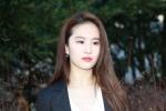 中国女星登时装周 杨紫琼秀恩爱刘亦菲变天仙攻