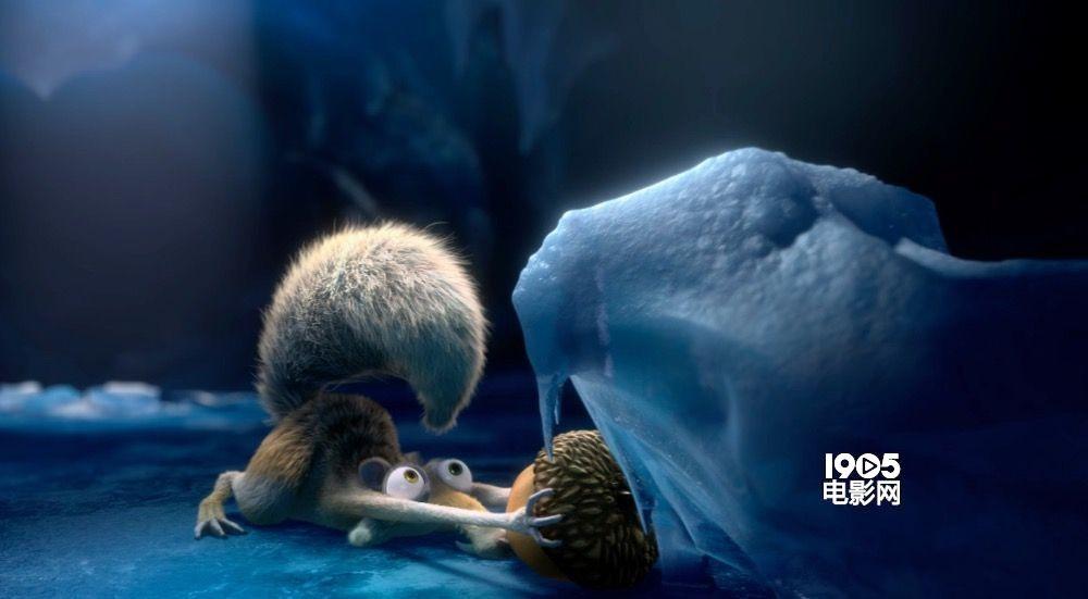 《冰川时代5》新预告 猛犸象等逃难发现新天地