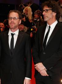 科恩兄弟亮相柏林 新作《凯撒万岁》为影节开幕