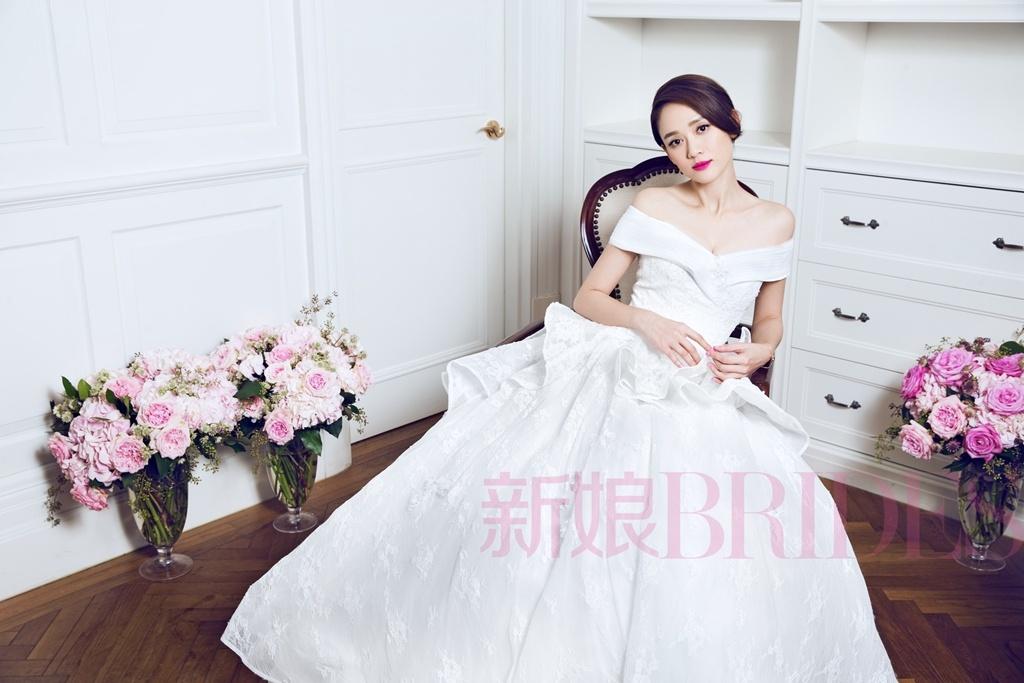 陈乔恩登杂志封面可爱 甜美清新演绎春日浪漫
