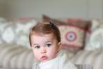 英王室小公主迎1周岁生日 王妃凯特曝女儿萌照