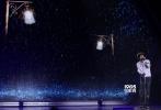 5月8日,第二十三届大学生电影节闭幕式暨颁奖典礼在京举行,冯小刚、徐帆、张国立、杨洋、白百何、苏有朋、白敬亭、董子健、李晨、杨千嬅等明星亮相。当晚共揭晓和颁发了14项大奖,其中《老炮儿》摘得最佳男演员奖和组委会奖,成为唯一一部获得两项大奖的影片。冯小刚继金马奖之后再度封帝,影后则由白百何摘得。此外,最佳影片奖花落《师父》,贾樟柯则凭借《山河故人》夺得最佳导演奖。
