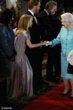 萌老太!英女王伊丽莎白二世在温莎堡过90大寿