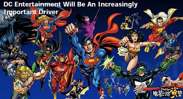 华纳手握着DC的电影宇宙 尽管今年打造的《蝙蝠侠大战超人:正义黎明》是华纳为DC宇宙布局下的产物,造成了影迷和普通观众口碑两极化的结果,但从票房成绩来看,全球5.3亿美元的票房不算太差。蝙蝠侠、超人相爱相杀,神奇女侠、海王、闪电鞋、铁骨也要悉数登场,从现阶段来看,华纳需要在讨好漫迷和观众中间走出一条中间道路了,且看暑期档中DC漫改的《自杀小队》能不能扳回一局吧!