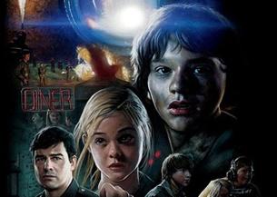 《超级8》:外星生物疯狂袭击人类