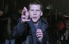 《惊天魔盗团2》正片片段 雨中魔术反重力如神迹