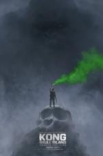 《骷髅岛》公布新海报预告 金刚现身惊鸿一瞥