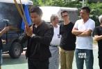 动作新片《贪狼》10月29日在曼谷举行拜神仪式,除一众投资方外,监制郑保瑞、黄柏高;导演叶伟信、洪金宝;主演古天乐、托尼·贾(Tony Jaa)、吴樾、Chris Collins、林家栋和卢惠光均有出席。