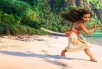 由迪士尼制作出品,《疯狂动物城》、《超能陆战队》、《冰雪奇缘》原班人马打造的动画冒险喜剧《海洋奇缘》(Moana)将于11月25日同步北美公映。今日,影片发布一组中文主题曲宣传照,并曝光吉克隽逸将成为这部迪士尼动画2016压轴之作的中文主题曲演唱者。华语实力唱将与迪士尼动画力作能擦出怎么样的火花?非常令人期待。据悉,整首歌曲非常温情励志,触动人心,主题曲MV将于近期公布。