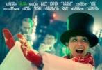 即将在今年北美圣诞档开画的群星喜剧电影《办公室圣诞派对》(Office Christmas Party),今日发布了一组热力四射的角色海报,包括: 詹妮弗·安妮斯顿、T·J·米勒、凯特·麦克金农、杰森·贝特曼、奥立薇娅·玛恩、杰米·钟、阿比·丽、卡兰·索尼等在内的一大票明星,统统出现在了各自的海报中,每个人的表情都相当兴奋。看起来,这部电影将是北美圣诞档主推的喜剧大片之一。