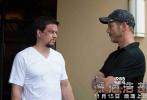 """2016高分灾难巨制《深海浩劫》即将在11月15日在全国上映,这部""""年度黑马""""由曾出演过《泰迪熊》、《变形金刚4》等大片的好莱坞著名演员马克·沃尔伯格主演,由著名导演彼得·博格执导,这并不是马克·沃尔伯格和彼得·博格的首次合作,两人曾经合作过《孤独的幸存者》,一度大获成功。此次二人再度合作,能够擦出怎样激烈的火花,让我们拭目以待。"""