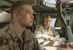 """李安新作《比利·林恩的中场战事》正在影院热映中。上映首周末,票房突破8000万元,截至发稿时,累计票房已达8706万元,仍然稳居同档期新片票房第一的位置。特别出演的范·迪塞尔一改之前的银幕形象,饰演""""充满灵性""""的军士长""""蘑菇""""施洛姆,给观众带来不少惊喜。有观众解读""""蘑菇""""道:""""蘑菇在片中讲的印度教,是李安对《少年派》的一次延续。""""李安与范·迪塞尔合作背后的小故事也被曝光,李安导演坦陈当初根本不知道范·迪塞尔有那么红,只是觉得光头范·迪塞尔扮演光头军士长""""很像《第一滴血》"""