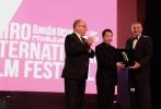 """11月15日,第38届开罗国际电影节在埃及首都开罗拉开帷幕。开幕式上,中国导演贾樟柯被授予本届电影节""""杰出艺术成就奖""""。"""