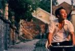 """近日,由相国强执导,董子健、李梦主演的电影《少年巴比伦》贴片正在热映的《我不是潘金莲》,""""生猛""""鲜肉演绎的有种青春,竟引来《我不是潘金莲》""""倒贴"""",一时间引来众人瞩目。"""