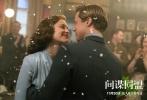 """由《阿甘正传》导演罗伯特•泽米吉斯执导,好莱坞巨星布拉德•皮特和奥斯卡影后玛丽昂•歌迪亚联袂主演的爱情谍战巨制《间谍同盟》今日(11月30日)正式登陆国内各大院线,或将掀起一轮飙泪狂潮。作为一部集合了爱情、动作、悬疑等诸多元素的年度""""泪崩""""大片,《间谍同盟》早已在万众期待声中赚足了眼球。今日影片五大看点全面解锁,诠释最刻骨铭心的二战恋曲。"""
