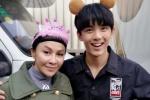 51岁刘嘉玲《阿修罗》剧组过生日 与吴磊合影