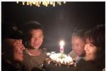 刘涛微博晒温馨全家福 庆结婚9周年一家四口甜笑