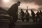 即将于2月9日开幕的柏林电影节,公布了第二批参赛电影的名单。令人倍感意外的是,超级英雄电影《金刚狼3:殊死一战》得到了电影节的官方邀请,将会在电影节举办期间进行全球首映。虽然《金刚狼3》并不参与到竞赛之中,但是作为全球最著名的国际电影节,能邀请一部好莱坞的商业大片参展,这已经是爆炸性的新闻了。