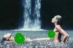 贾斯汀·比伯绯闻女友晒裸泳照 展示S形身体曲线