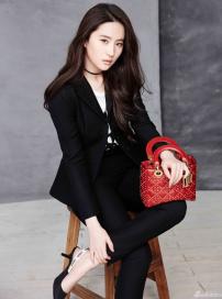 刘亦菲帅气新写真曝光 身穿西装优雅干练攻气足