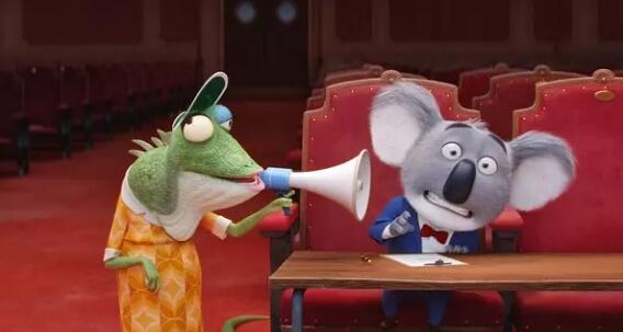 《欢乐好声音》没有《疯狂动物城》这样野心勃勃 提到人类对小动物动画片的热情,迪士尼CEO罗伯特·艾格曾经在决定制作《疯狂动物城》时给过一个描述——只要是那些小动物穿着衣服走来走去的动画片,我都乐意看。 过去一年好莱坞动画界的状况证明,艾格的确说中了观众们的心声。梦工厂的《功夫熊猫3》,迪士尼的《疯狂动物城》《海底总动员2》,环球的《爱宠大机密》成绩最为出众,而这些的主角都是拟人化的大小动物。 而现在环球又带来了《欢乐好声音》。制作方是《神偷奶爸》和《小黄人》系列的缔