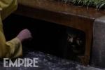 新版《小丑回魂》曝剧照 下水道小丑露狰狞笑容