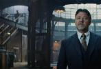 """好莱坞动作奇幻冒险巨制《新木乃伊》即将于6月9日上映,今日影片发布一支""""复仇归来""""幕后制作特辑,导演艾里克斯·库兹曼,好莱坞动作巨星汤姆·克鲁斯,凭借《王牌特工:特工学院》中""""刀锋女""""一角而大火的索菲亚·宝特拉,以及奥斯卡影帝罗素·克劳等主创纷纷现身讲述幕后故事。对于主演汤姆·克鲁斯而言,和《新木乃伊》的渊源甚至可以追溯到其童年时期,6岁就爱上1932年经典版《木乃伊》的他表示非常期待本次出演。此次特别的经历则更像是圆了阿汤哥童年的一个梦想。"""