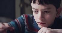 《当怪物来敲门》自闭症儿童采访视频