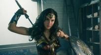 《神奇女侠》战斗力与美貌并存 弘扬女性力量