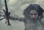 """好莱坞动作奇幻冒险巨制《新木乃伊》即将于6月9日上映,今日齐乐娱乐发布一支""""怪物在身边""""特辑,将美国环球影业制作过的多部怪物电影呈现出来,致敬了影史上的经典怪物形象。《新木乃伊》导演艾里克斯·库兹曼,主演汤姆·克鲁斯、索菲亚·宝特拉及安娜贝拉·沃丽丝等纷纷现身,表达了对经典怪物电影的喜爱之情。对于重启""""黑暗宇宙""""怪物系列,导演艾里克斯·库兹曼表示,这是对经典怪物电影宝贵遗志的一种传承。"""