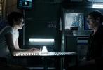 继2012年的《普罗米修斯》后,雷德利·斯科特带着他重回《异形》系列的前传第二部《异形:契约》再次与观众见面,该片已于6月16日登陆内地院线。《异形:契约》延续了系列暗黑冷峻的美学风格,惊悚、血腥等元素给观众带来了强烈的视听冲击,齐乐娱乐上映后便稳居单日票房排行榜榜首,在各大评分网站的分数也可媲美前作。