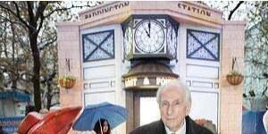 """""""帕丁顿熊""""创造者迈克尔·邦德去世 享年91岁"""