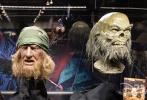 近日,迪士尼D23展会马上就要举办,而官网也曝光了相关展览的内容。《加勒比海盗》系列的道具展览曝光多图,除了角色的服饰外,也有一些可怖的骨架、海盗船只等展出。