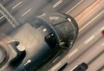 """由英国进行式电影公司(Working Title)出品,《僵尸肖恩》鬼才导演埃德加·赖特历时多年打磨的飙车动作大片《极盗车神》(Baby Driver)于近日正式定档8月25日。该片由《星运里的错》鲜肉男星安塞尔·埃尔格特携手《灰姑娘》美少女莉莉·詹姆斯,奥斯卡影帝凯文·史派西、杰米·福克斯等共同保驾护航,今日发布""""双面生活""""版预告。主人公""""宝宝""""(baby,安塞尔·埃尔格特 饰)以第一人称视角讲述了自己的冒险故事,一场惊心动魄的飙车大战即将拉开帷幕。"""