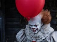 《小丑回魂》曝海量剧照 惊恐少年打破小镇静谧