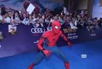 9月4日,由美国哥伦比亚影片公司和漫威影业联合打造的好莱坞超级英雄大片《蜘蛛侠:英雄归来》在北京举行中国首映礼,该片的沙龙网上娱乐乔·沃茨携主演汤姆·赫兰德出席红毯和发布会,与影迷们亲密互动。《中国有嘻哈》的冠军候选人PG ONE也作为影片的中国大陆嘻哈大使献唱宣传曲《英雄归来》,并与蜘蛛侠、钢铁侠酷炫合照,将现场气氛推向高潮。